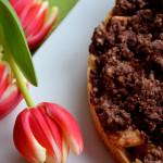Schoko-Streuselkuchen mit Apfel-Zimt-Füllung
