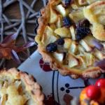 Apfel Tartelettes mit Rosinen und Vanille