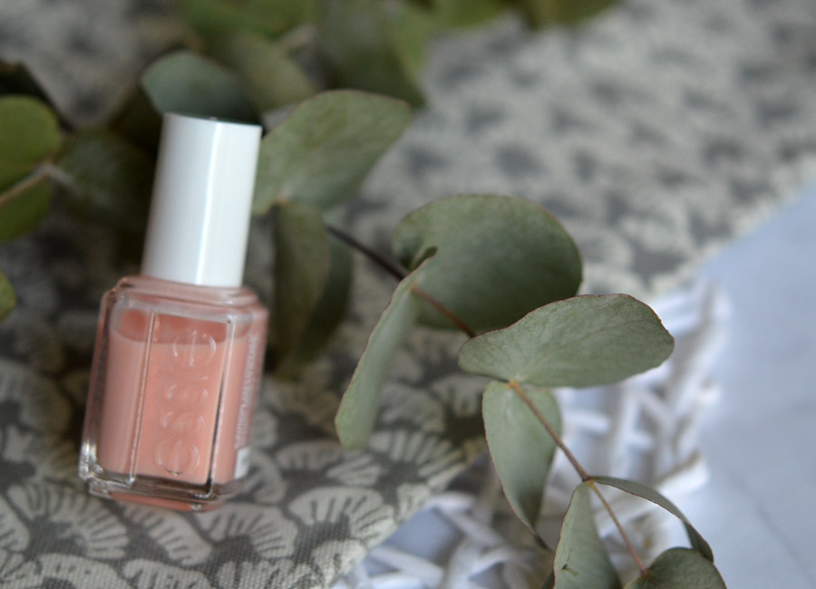 Essie tinted love